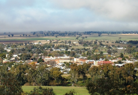 July morning photo of Manilla from the lookout